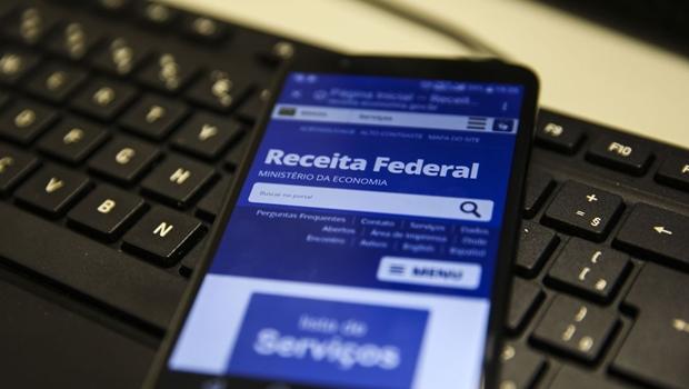 Preciso devolver o auxílio emergencial? Confira novas regras para declarar o Imposto de Renda
