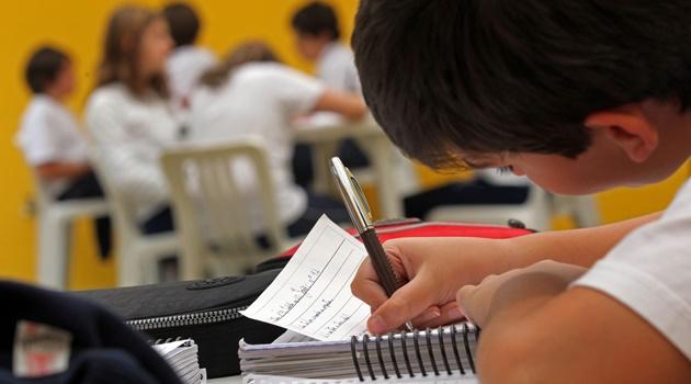 Mais de 9 mil estudantes com deficiência terão atendimento especializado na rede estadual