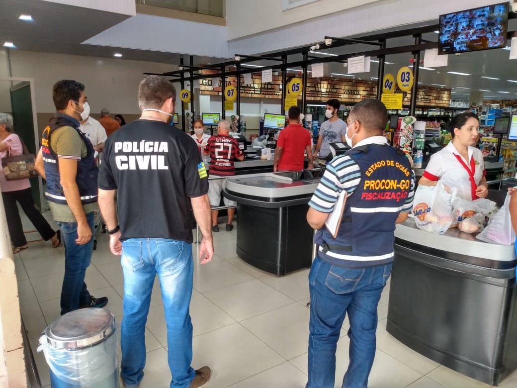 Decon e Procon fiscalizam abusos de preços em supermercados de Goiânia