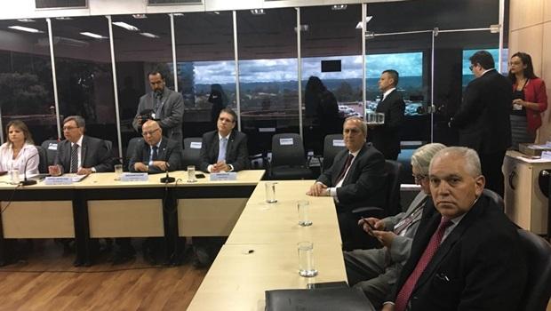 Bancada goiana reúne com diretor-geral do DNIT