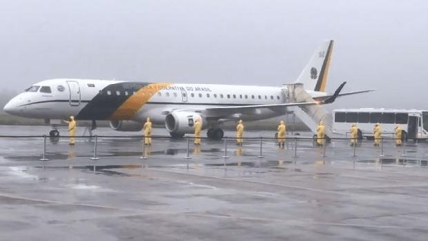 Itamaraty freta voo e realiza resgate de 159 brasileiros no Equador