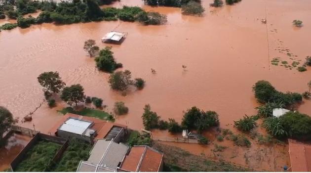 Rio Meio Ponte transborda e deixa desabrigados em Inhumas