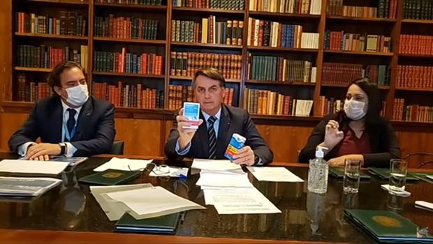 Presidente Jair Bolsonaro (sem partido), que virou o garoto propaganda da hidroxicloroquina no Brasil, insiste em falar sobre o medicamento, mesmo sem comprovação no tratamento da Covid-19, como cura | Foto: Reprodução/YouTube