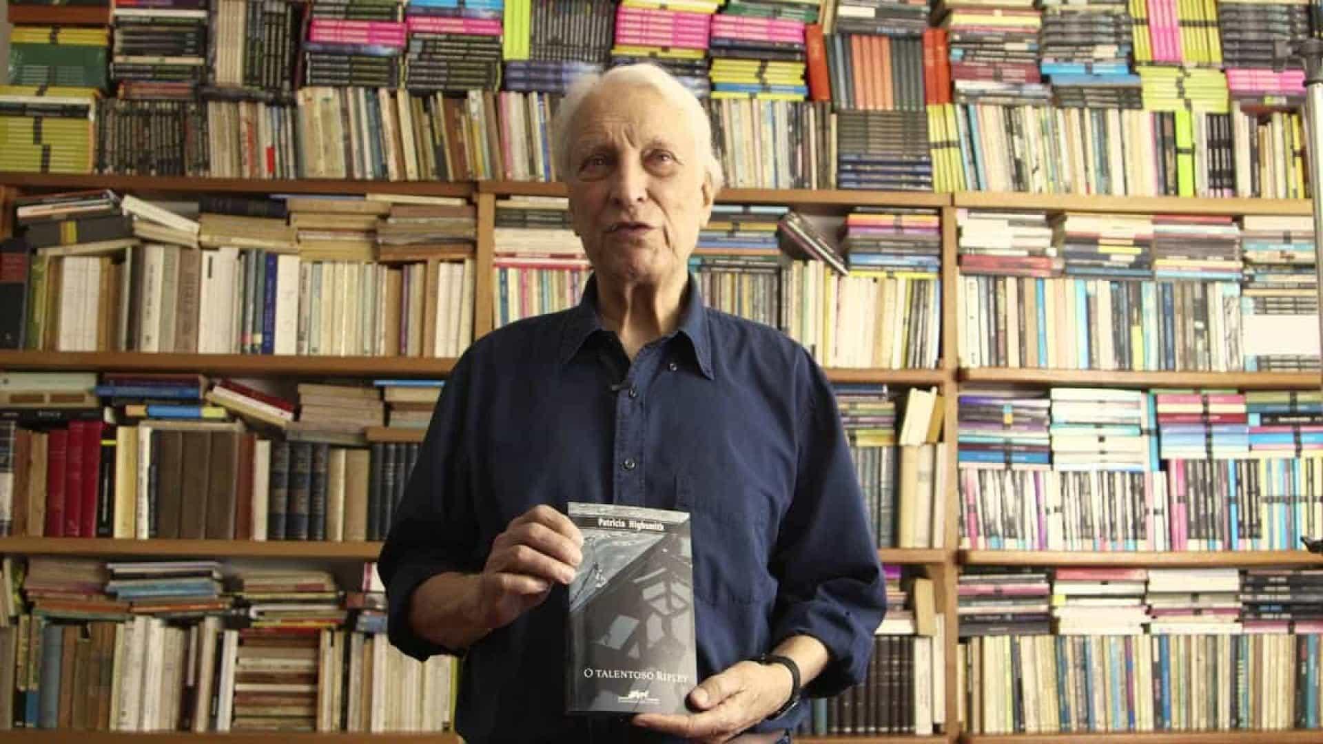 O escritor Luiz Alfredo Garcia-Roza é o Georges Simenon dos trópicos?