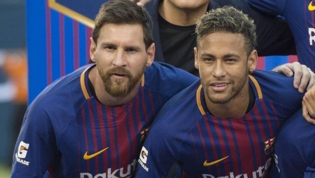 """Uma camisa dita """"original"""" do Barcelona vale uma """"fortuna"""""""