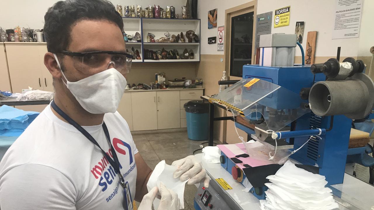 Senai Goiás fabrica máscaras e aventais para ajudar no enfrentamento à Covid-19