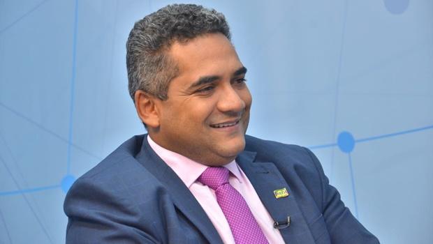 Mirando eleições 2020, Júlio Pina reúne lideranças em Senador Canedo