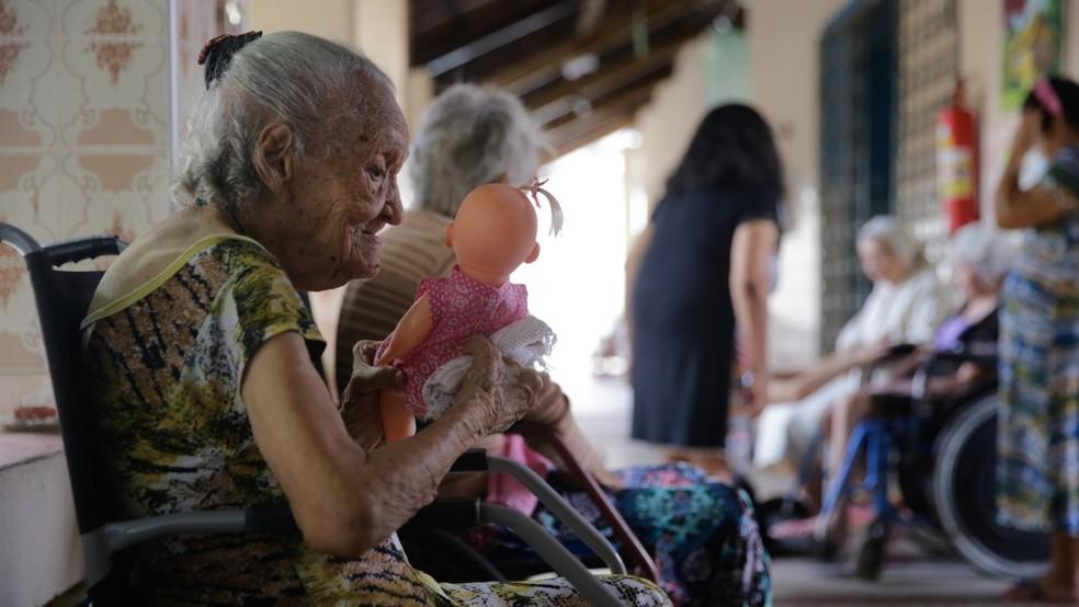 Comissão externa na Câmara dos Deputados debate medidas para proteger idosos em asilos