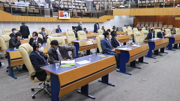 Policarpo diz que vereadores não podem transferir responsabilidade da prefeitura para Câmara