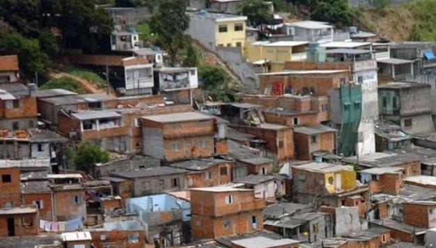 Coronavírus mata mais na periferia do que em outras regiões do Brasil, diz estudo