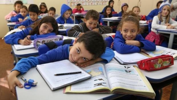 Prefeitos reivindicam flexibilização do pagamento mínimo na área de educação em 2020