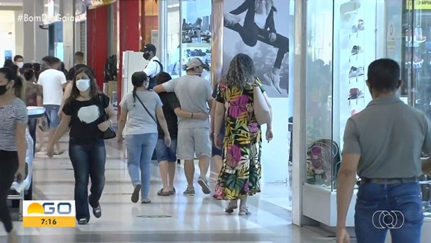 Shoppings reabertos Aparecida de Goiânia 1 - Foto Reprodução TV Anhanguera