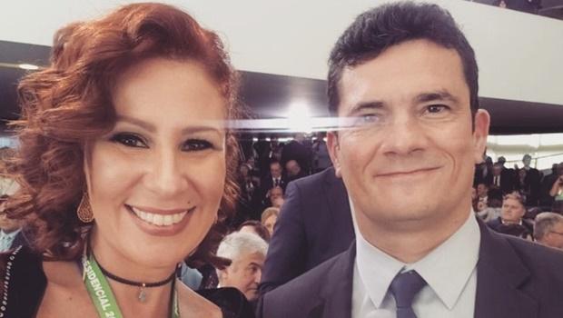 PGR instaura notícia-crime contra Carla Zambelli