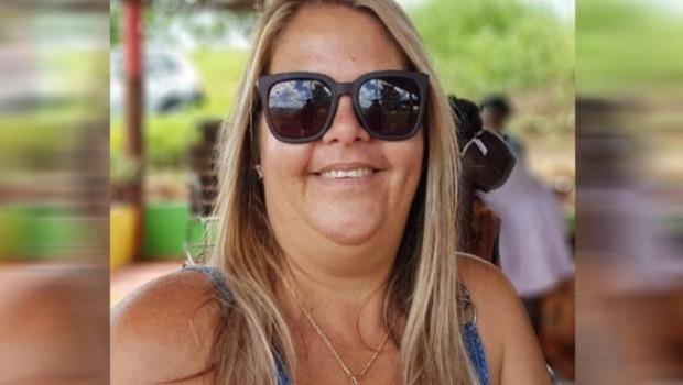 Primeira-dama recebe auxílio emergencial, no interior da Paraíba