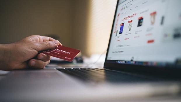 70% da população vai continuar comprando online mesmo após a pandemia, diz pesquisa