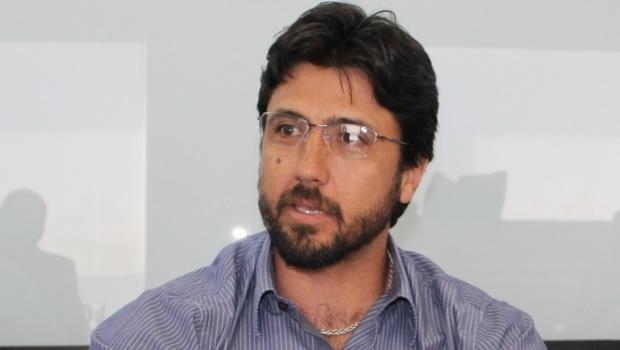 Vereadores aprovam pedido de cassação do prefeito de Hidrolândia