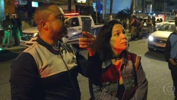 Após ser flagrada em reportagem desrespeitando fiscal, mulher é demitida por empresa no Rio