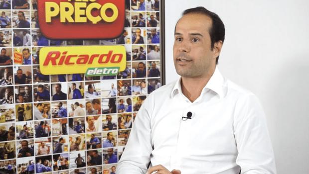 Preso acusado por lavagem de dinheiro, fundador da Ricardo Eletro presta depoimento ao MP