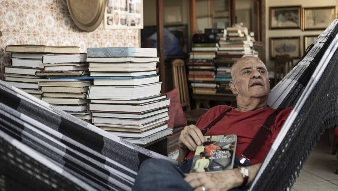 A sexagenária poesia de Carlos Nejar
