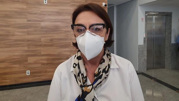 """Curva da Covid volta a crescer em Goiânia: """"Não estamos em platô"""", diz secretária"""