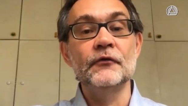 """João Cezar de Castro Rocha: """"Pela primeira vez, temos um governo que se baseia num movimento pautado pelo ódio, o bolsonarismo, cujo combustível é o ressentimento"""""""