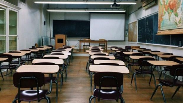 Ministro da Economia defende retorno de aulas presenciais
