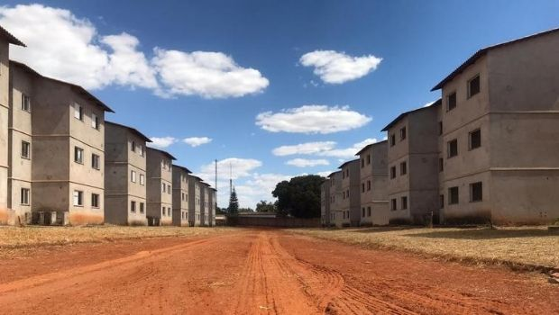 Governo retoma obra de conjunto habitacional com 900 moradias em Aparecida