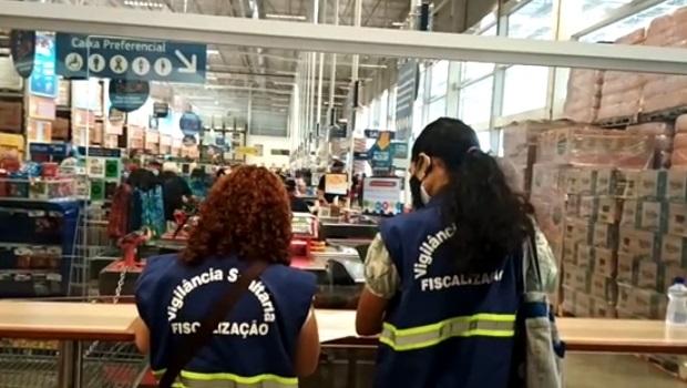 Vigilância fiscaliza mais de 100 supermercados em Goiânia e multa 28 estabelecimentos