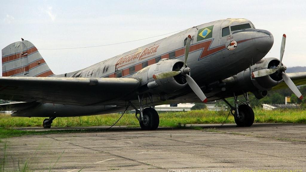Anápolis na rota de Miami: a trajetória do avião Douglas DC-3