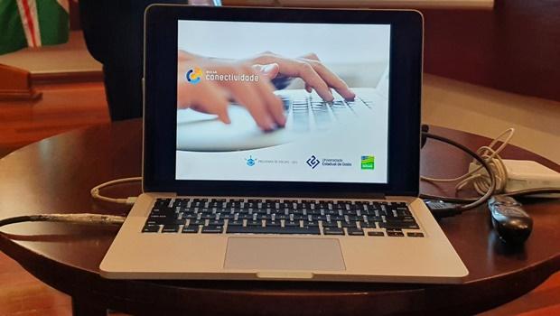 Governo de Goiás e UEG lançam Programa Bolsa Conectividade