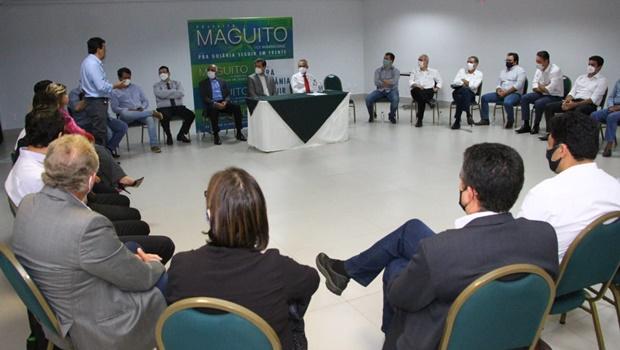 Maguito reafirma compromisso de continuidade em encontro com secretariado de Iris