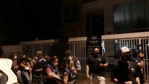 Dois bares e uma boate foram fechados em Goiânia por aglomeração