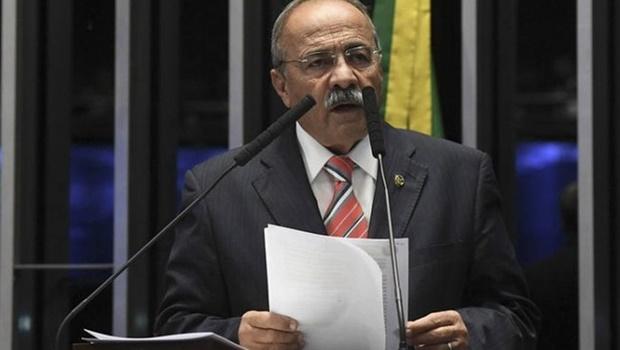 """Senador do dinheiro na cueca exercia influência para """"fins ilícitos"""" na Saúde de Roraima, aponta STF"""