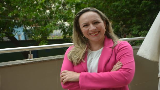 Adriana Accorsi vai pedir ao MP-GO a suspensão do decreto de abertura dos Cmeis
