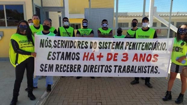 Revoltados, agentes querem cortar regalias de presos e impedir visitas nos presídios