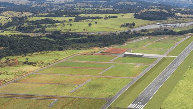 TJ-GO determina que Andréa Vulcanis forneça documentos sobre impactos do aeródromo de Goianápolis