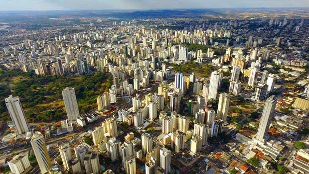 Com quase 90 anos, Goiânia coleciona avanços mas ainda perece com inadequações