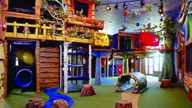 Coe autoriza reabertura de brinquedotecas, vestiários em academias e a presença de maiores de 60 anos em igrejas e templos