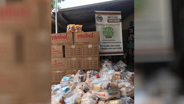 Mesa Brasil doa mais de duas toneladas de alimentos para abrigos de idosos e crianças, em Aparecida de Goiânia