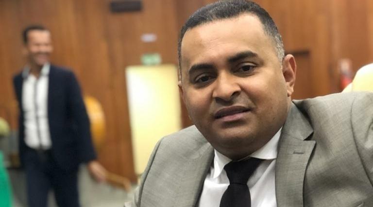 Vereador quer proibir porte de arma de fogo nas dependências da Câmara Municipal de Goiânia