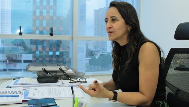 """Flúvia Amorim: """"É melhor nos adaptarmos às medidas preventivas do que com mortes e casos graves de Covid-19"""""""