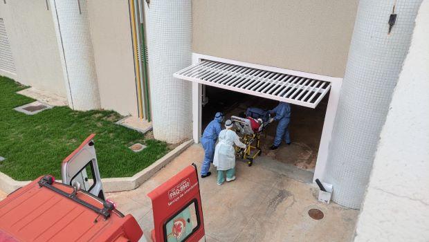 Nove pacientes vindos de Manaus estão na UTI do HC em estado grave