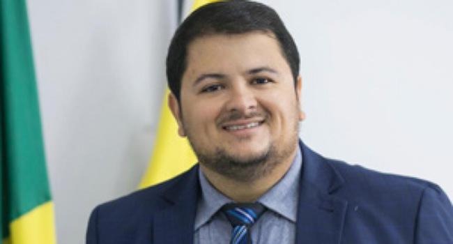 William Panda deve assumir secretaria na gestão de Gustavo Mendanha em Aparecida