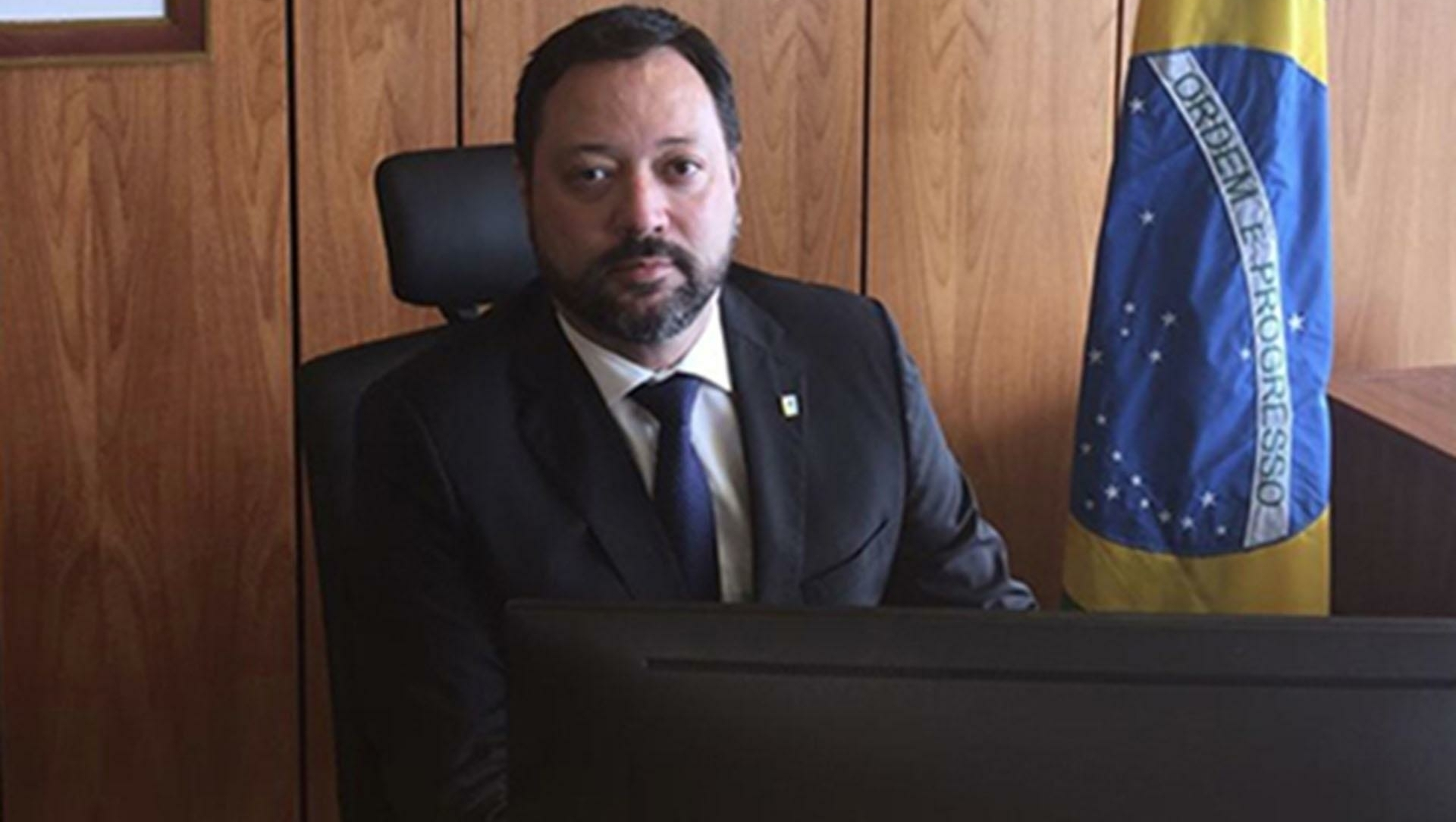 Governo Bolsonaro demite o presidente do Inep