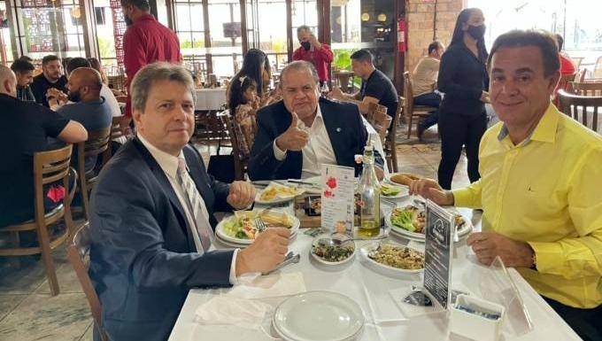 Aliados de Bolsonaro abrem conversações para se filiarem ao Patriota
