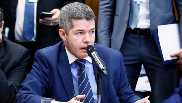 Delegado Waldir acredita que distritão tende a ser derrubado pelo Congresso