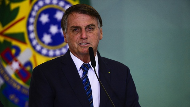 Bolsonaro pretende se vacinar contra Covid-19 neste sábado, 3