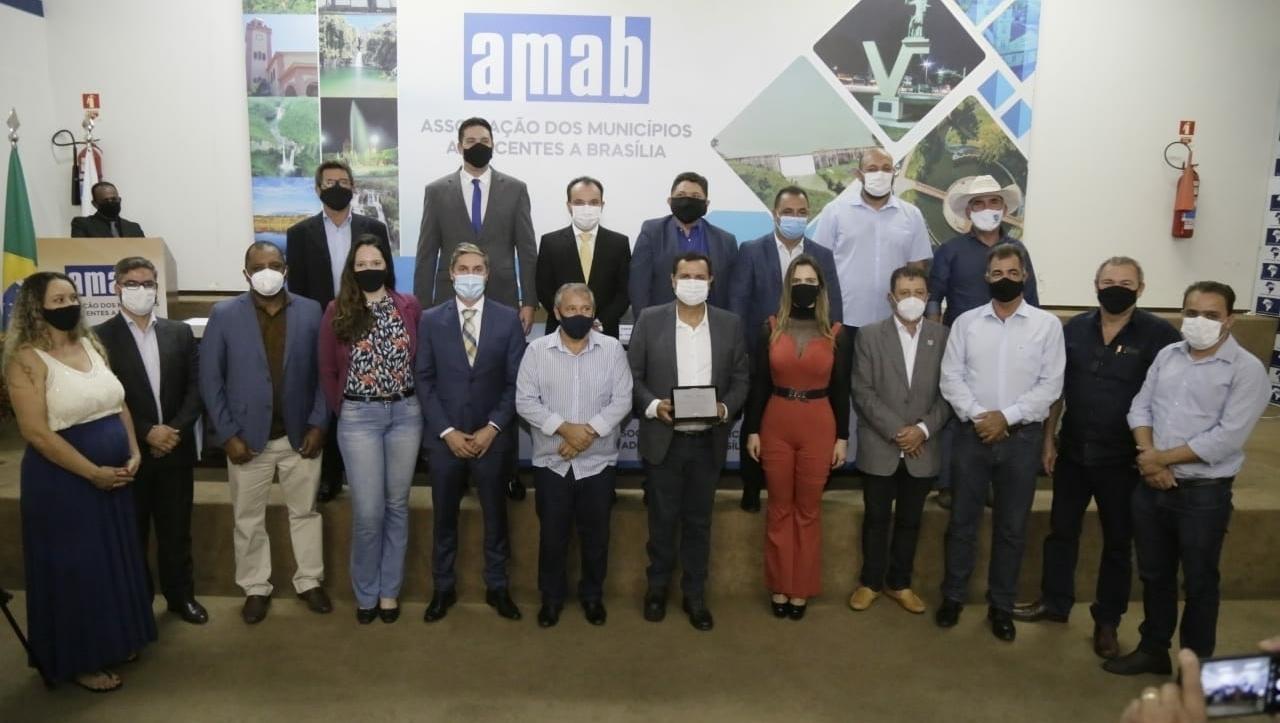 O prefeito Pábio Mossoró é eleito para a presidência da Amab