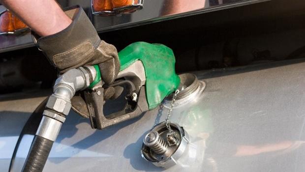 Fake news sobre aumento do ICMS da gasolina em Goiás volta a circular nas redes sociais