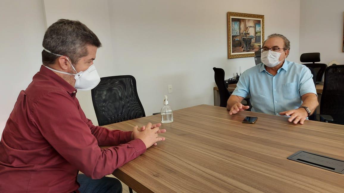 Jânio Darrot e Delegado Waldir discutem a formação de uma frente ampla das oposições